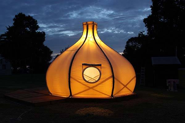 Froute Pod an Onion-Like Tent Brings You Comfortable Camping Experience