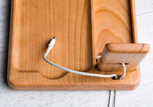 Pad&Quill Timber Catchall Apple Watch Charging Station