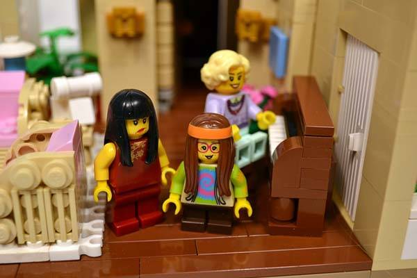 The Golden Girls Living Room And Kitchen Lego Set Gadgetsin