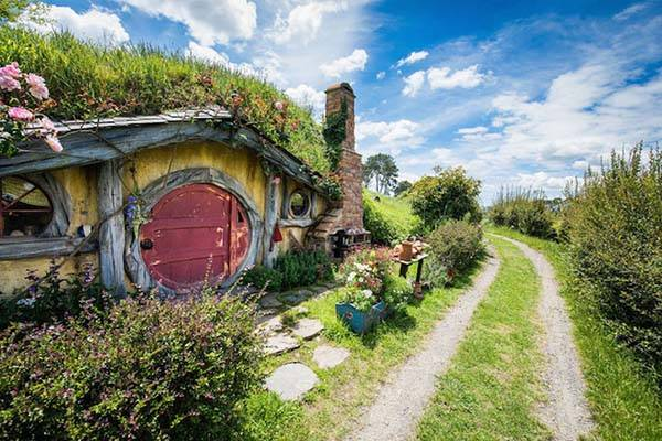 The Real Life Hobbiton In New Zealand Gadgetsin