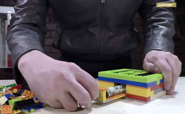 Build A LEGO Safe by Yourself