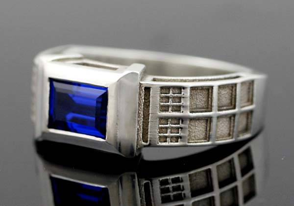 Doctor Who Solid Sterling Silver Ring Brings TARDIS on Your Finger