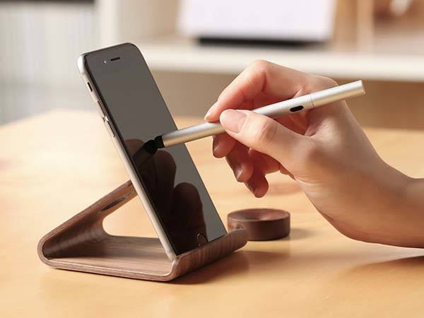 Elago W2 Wood Stand for Smartphones and Tablets
