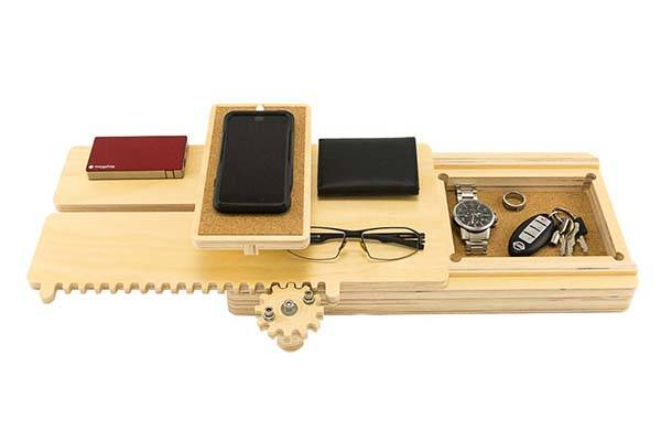 The Handmade Gear Driven iPhone Docking Station