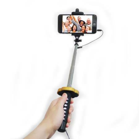 The Selfie Stick Looks Like a Ninja Katana
