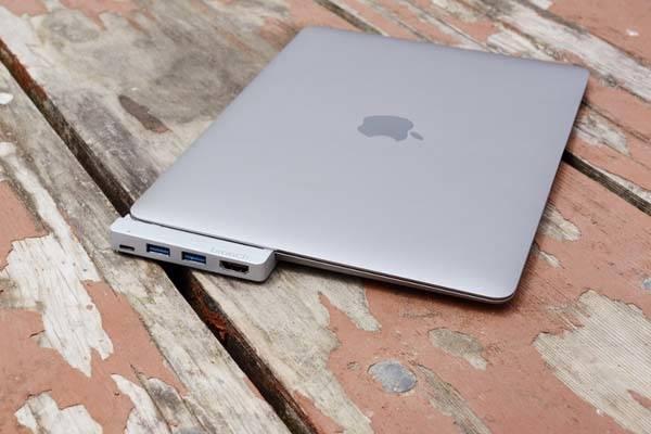 Branch USB-C Hub with 64GB Storage for New MacBook