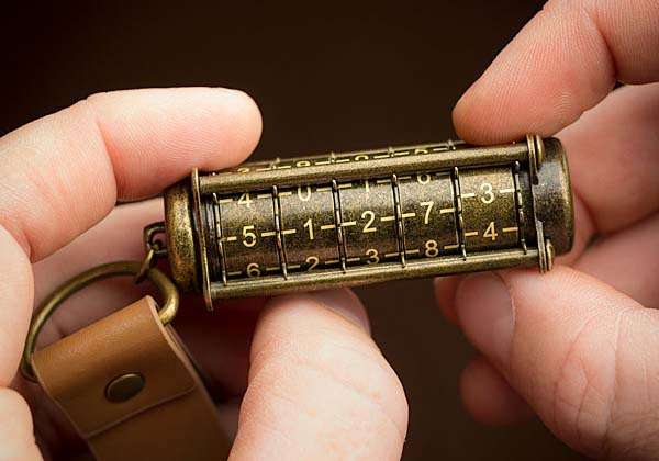 Cryptex Steampunk USB Flash Drive with Mechanical Combination Lock