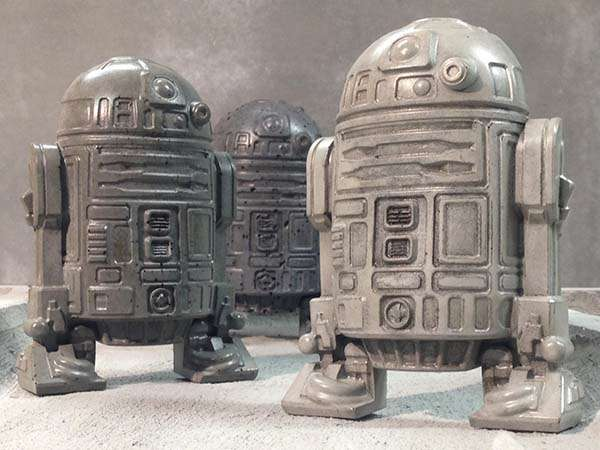 Star Wars D2-D2 Concrete Bookend