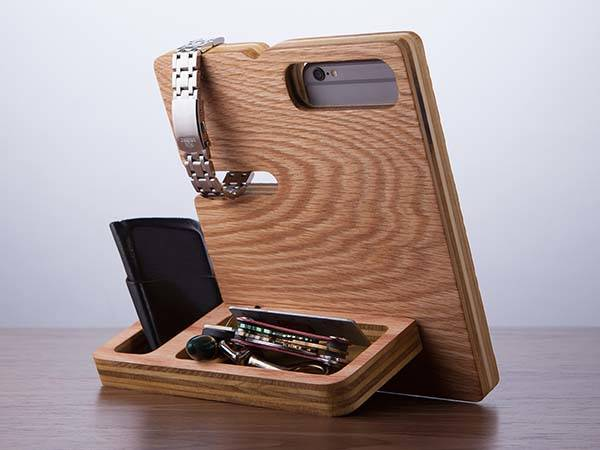 The Wood Docking Station Doubles as a Desk Organizer ...