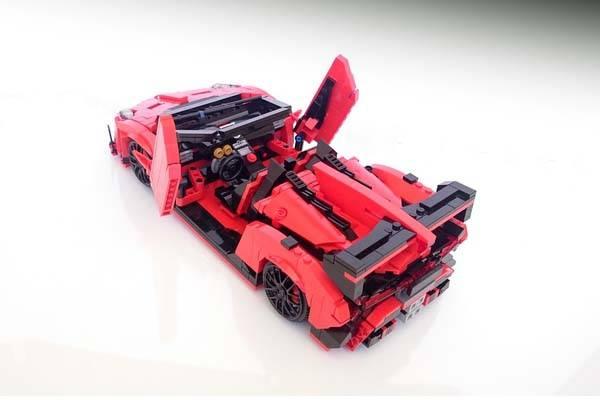 Lamborghini Veneno Roadster LEGO Set