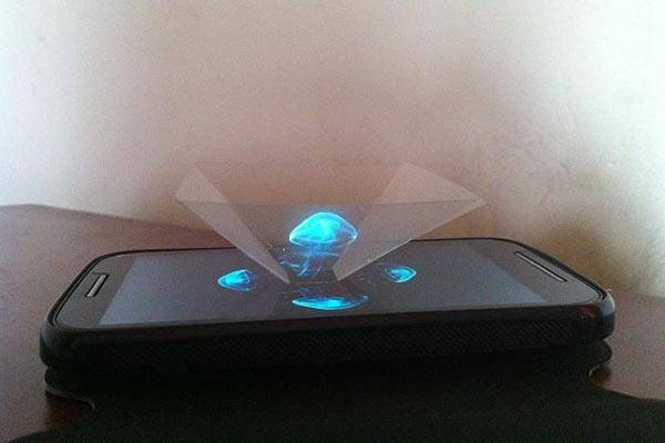 Make 3D Holographic Projection Pyramid by Yourself