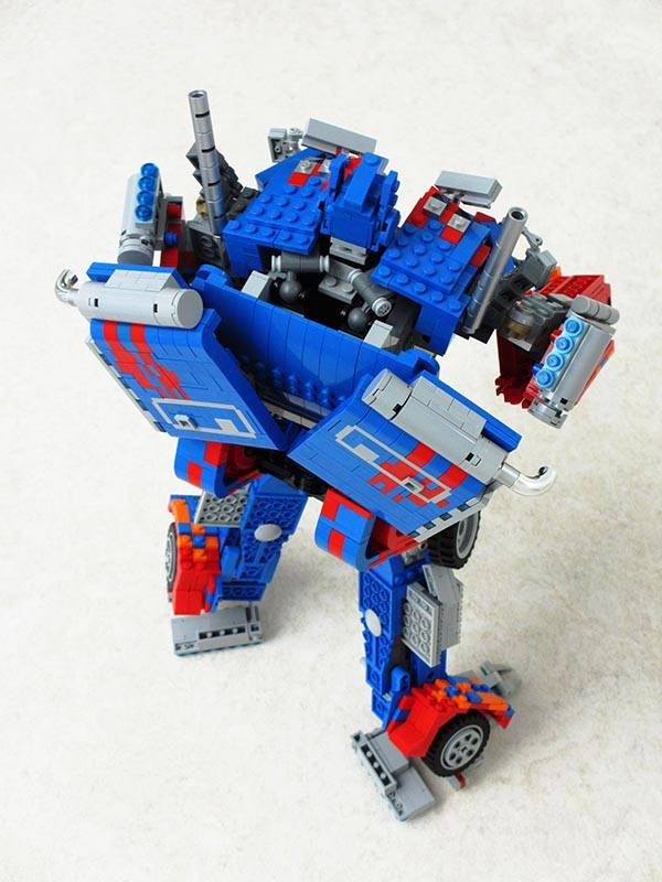 Transformable LEGO Optimus Prime