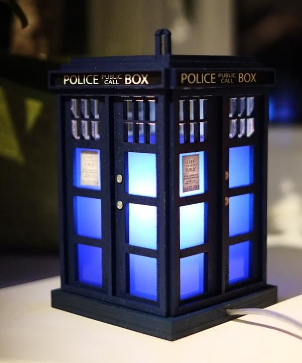 Handmade Highly Detailed Doctor Who TARDIS Night Light