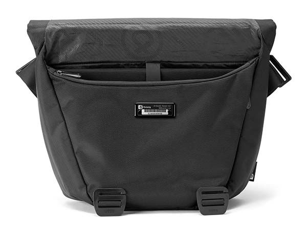 Booq Shadow Messenger Bag