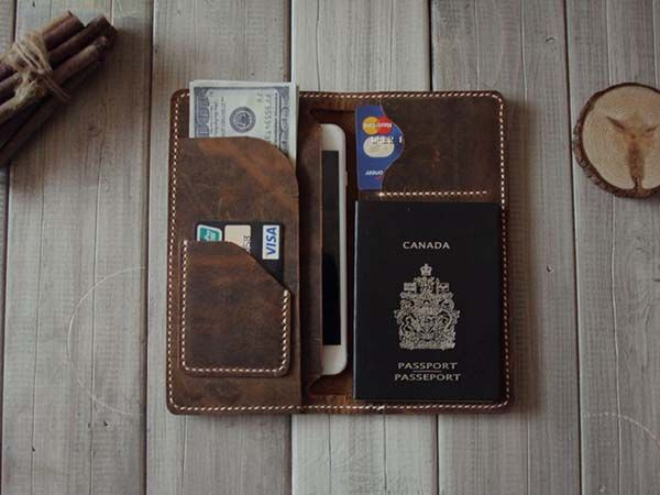 Handmade iPhone 6 Leather Wallet - one of our handmade gifts