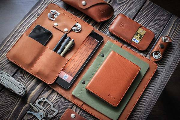 The Handmade Leather Ipad Mini Case Holds Your Phone