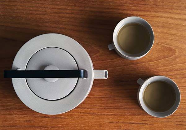 Round Square Teaware Lets You Enjoy Tea in a Style of Zen
