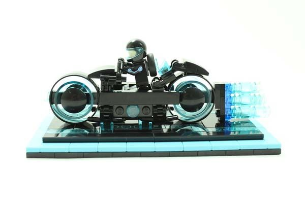Tron Legacy Light Cycle LEGO Set