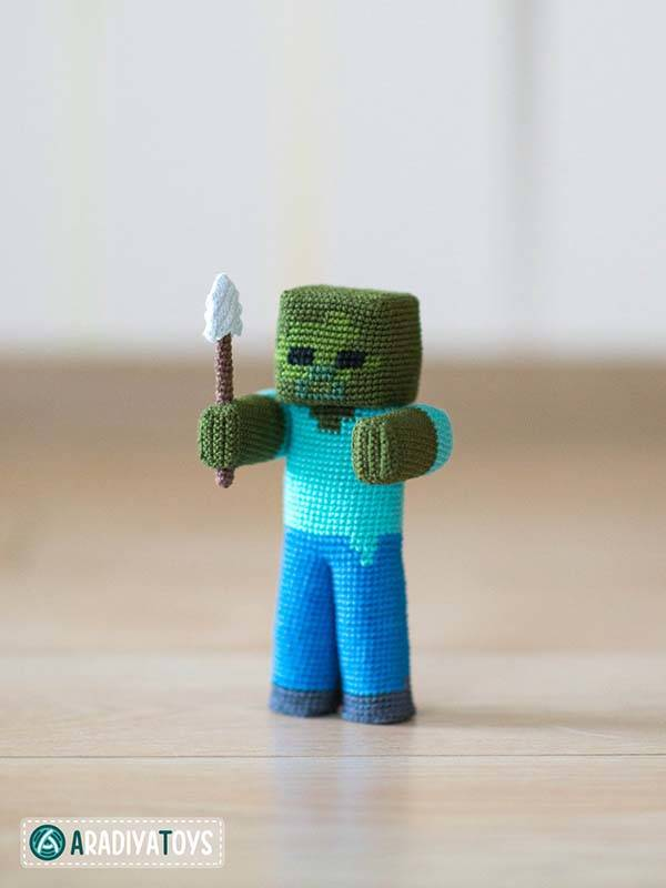 The Crochet Patterns Let You Make Minecraft Amigurumi Dolls