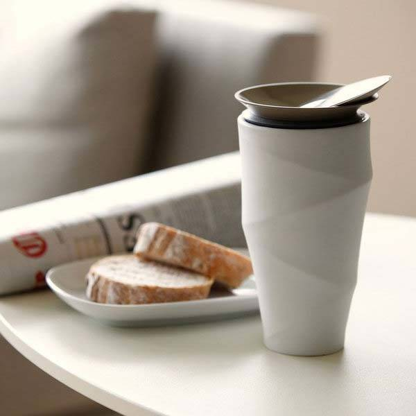 The Wave Commuter Mug Boasts Its Own Drip Filter Holder