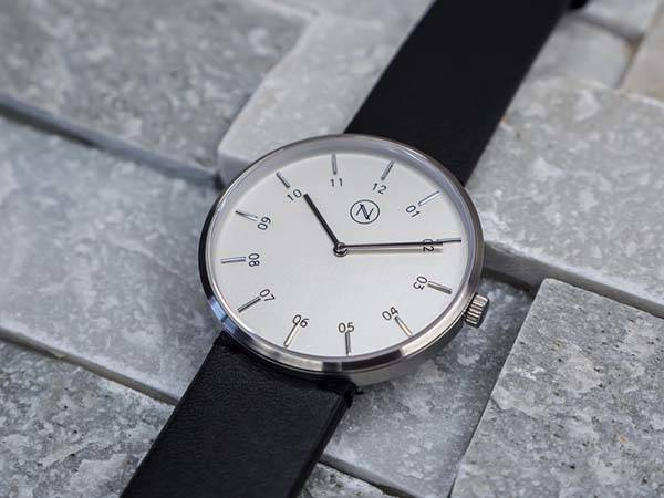 NOVO The Eight Analog Watch