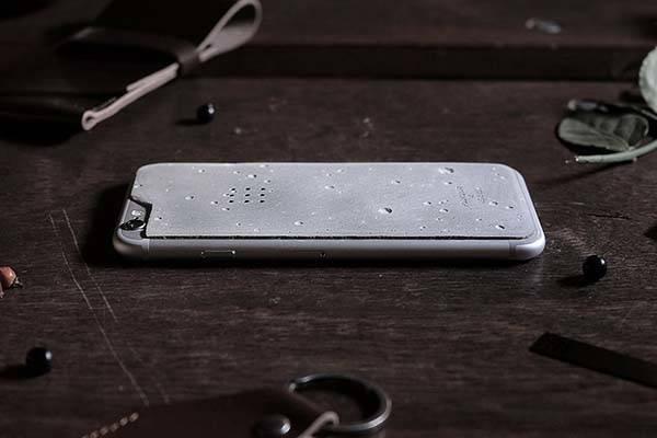 The Concrete iPhone Skin Adds Some Luna Craters to Your iPhone 6s/6s Plus