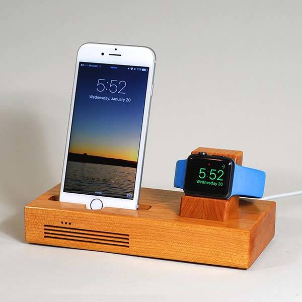 handmade wooden docking station with audio amplifier for iphone and apple watch gadgetsin. Black Bedroom Furniture Sets. Home Design Ideas