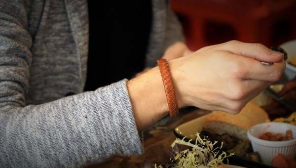 NiftyX Leather Bracelet with Built-in Charging Cable and Power Bank