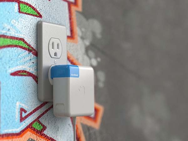 Blockhead Side-Facing Plug for Apple Chargers