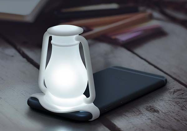 The Travelamp Turns Your Phone into LED Lantern