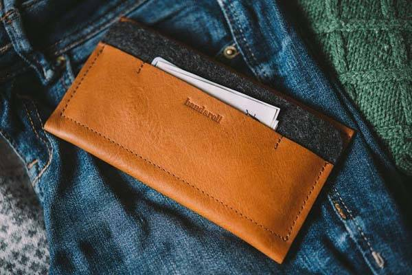 Band&Roll Leather iPhone Wallet