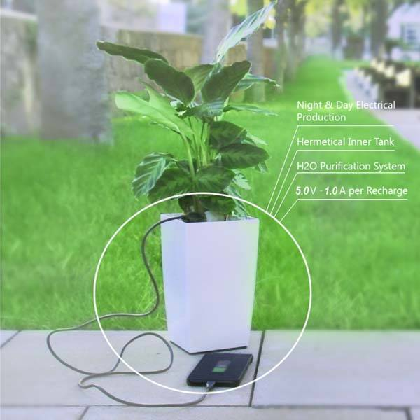 Bioo Lite Plant Pot with USB Charger