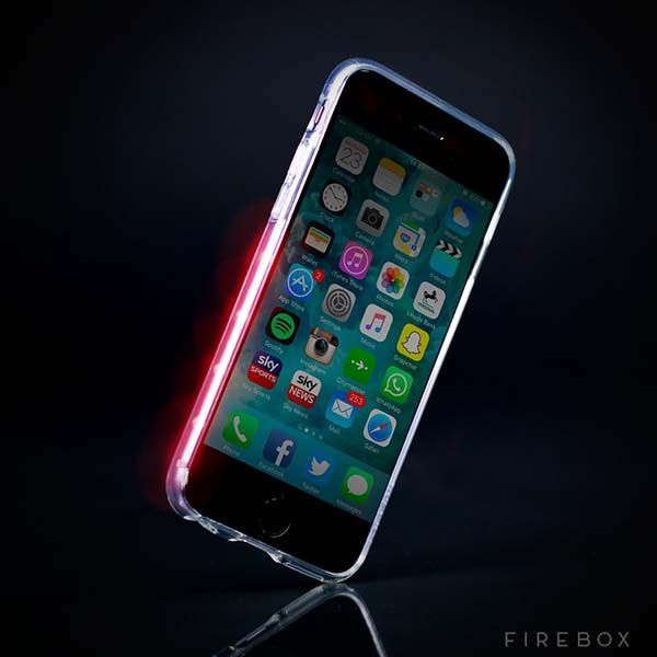i-Dodge iPhone Case Prevents You from Knocking into Someone with Its Omni-directional 270-degree Lighting System