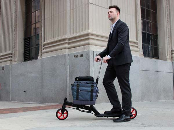 The Nimble Urban Scooter with Integrated Cargo Rack