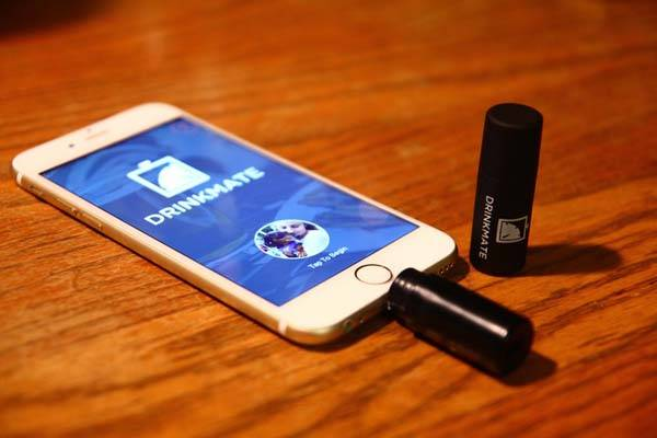 DrinkMate Compact Smartphone Breathalyzer