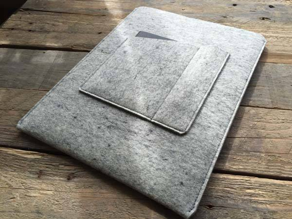 The Handmade Wool Felt iPad Pro Sleeve with Two Extra Pockets for Apple Pencil and Notebook