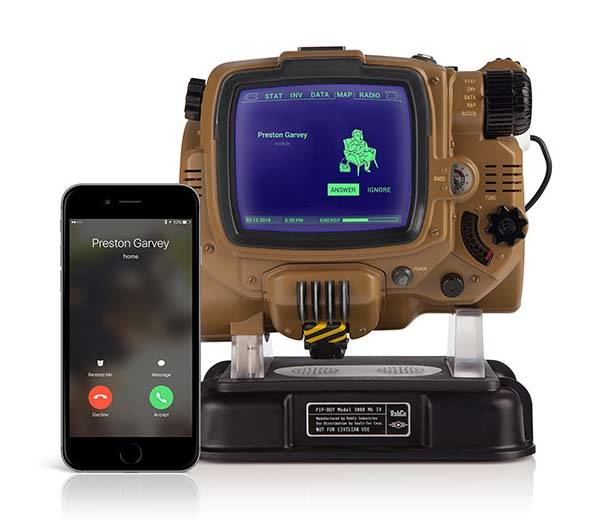 Fallout 4 Bluetooth-Enabled Pip-Boy Replica