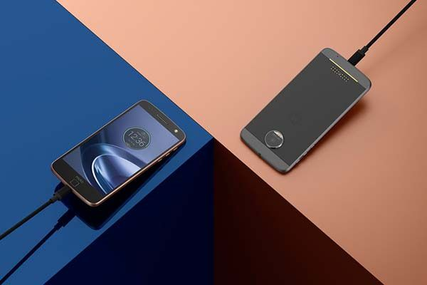 Lenovo Moto Z Force Modular Smartphone with Multiple Modules
