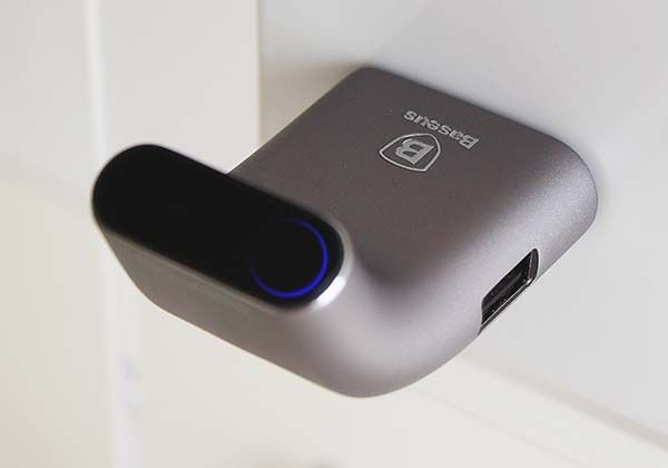 Smarter Concept Smart USB Charger