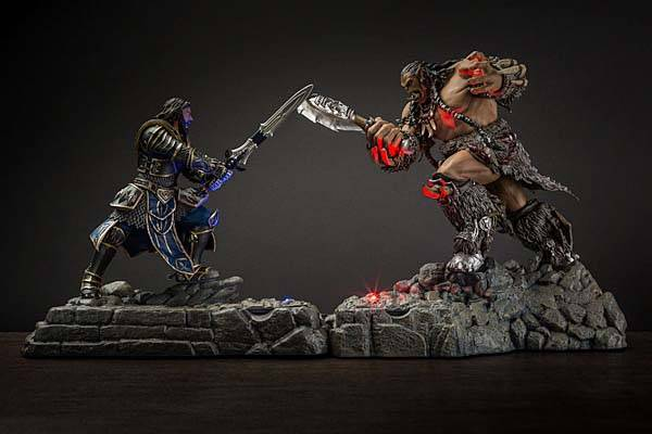 Warcraft Durotan and Lothar Figural Charging Stations