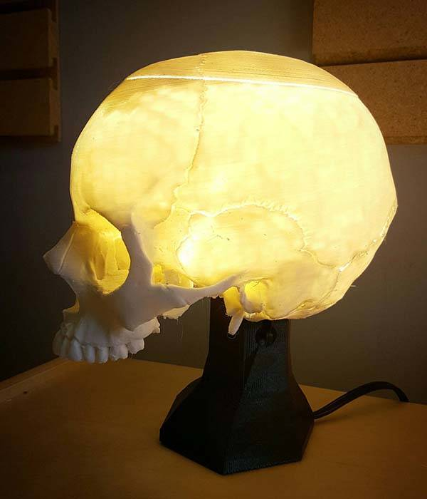 3D Printed Skull Desk Lamp