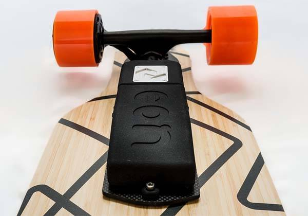 Eon Modular Electric Powertrain Turns Skateboard into eSkateboard