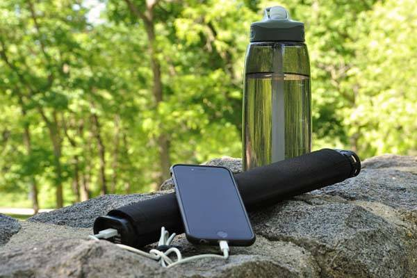 LightSaver Max Solar Charger with Integrated Power Bank