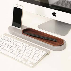 Rest_deck_handmade_concrete_desk_organizer_with_iphone_dock_thumb Jpg