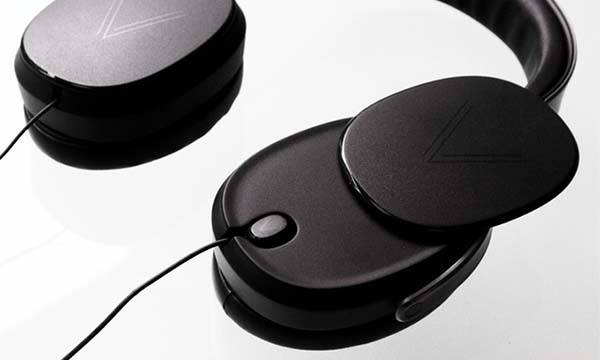 volant 3 in 1 hybrid delivers wired or bluetooth headphones and detachable earbuds gadgetsin. Black Bedroom Furniture Sets. Home Design Ideas
