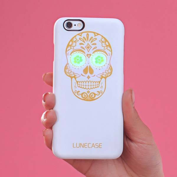 Lunecase Cult iPhone 6/6s Case with a Skull with Flash Eyes