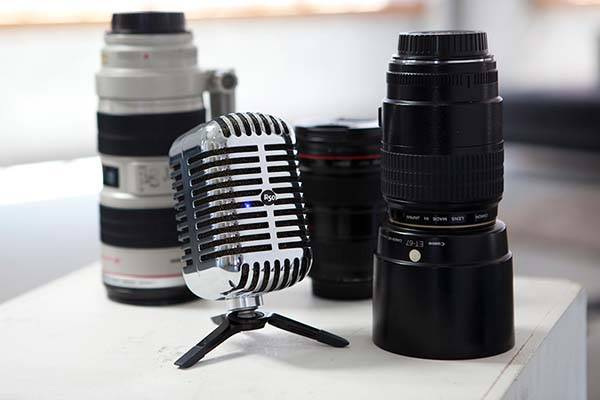 R50 Vintage Microphone Portable Bluetooth Speaker