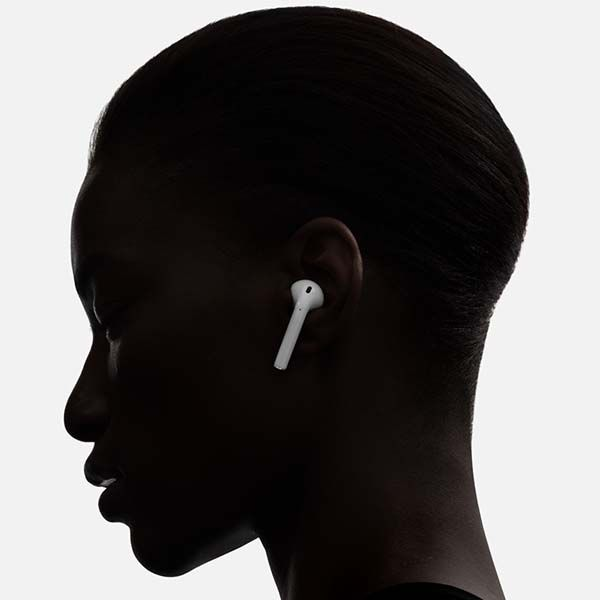 Apple AirPods Bluetooth Headphones