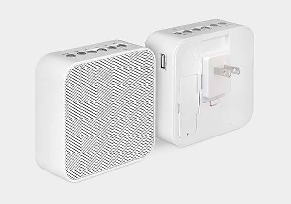 Plug Radio Portable Bluetooth Speaker with Power Bank