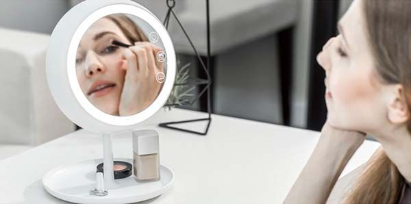JUNO Smart Makeup Mirror